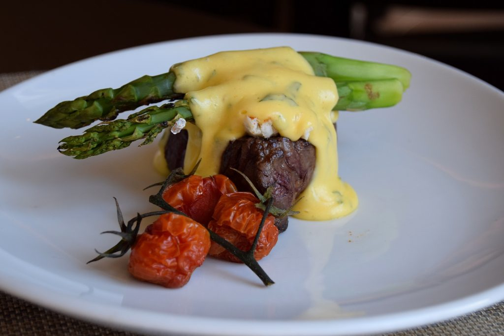 6-ounce filet steak topped with 'oscar' lump crab