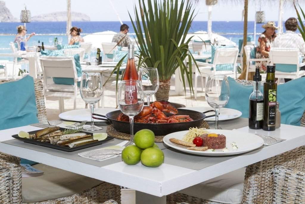 Atzaro Beach Dining