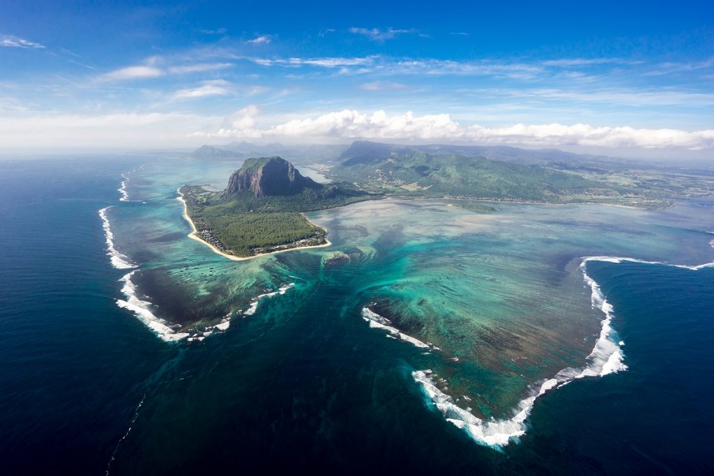 Out of the ordinary Underwater Waterfall