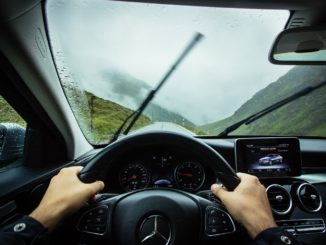Avoiding aquaplaning
