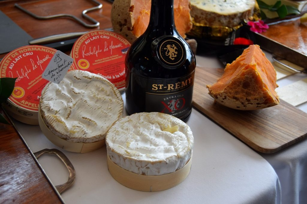 St-Rémy and cheese selection