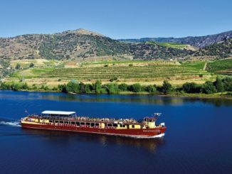 Spirit of Chartwell sailing on the Douro