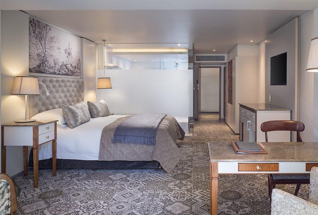 Vineyard Hotel Suite