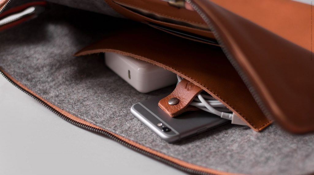 Plenty of pockets in the Harber London Carry-All MacBook Folio