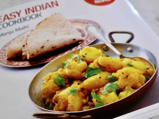 Easy Indian Cookbook by Manji Malhi
