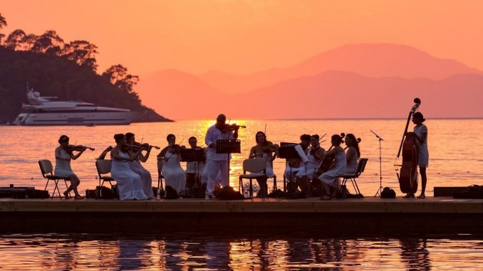 Classical Music on the Sea at Hillside Beach Club