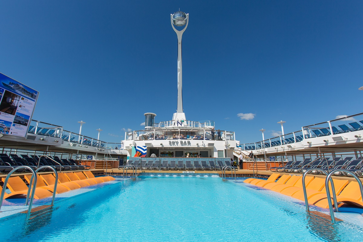 Royal Caribbean Anthem of the Seas pool deck